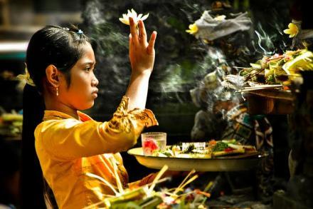 Makna Rahina Coma Ribek Dan Perayaannya Di Desa Menyali