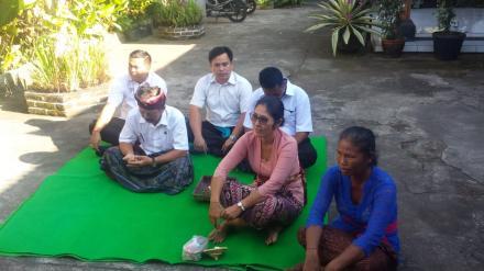 Upacara Mapiuning Menjelang Pemilihan BPD Desa Menyali