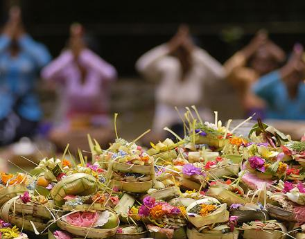 Mengenal Lebih Dekat Pengertian Sugihan Jawa dan Sugihan Bali